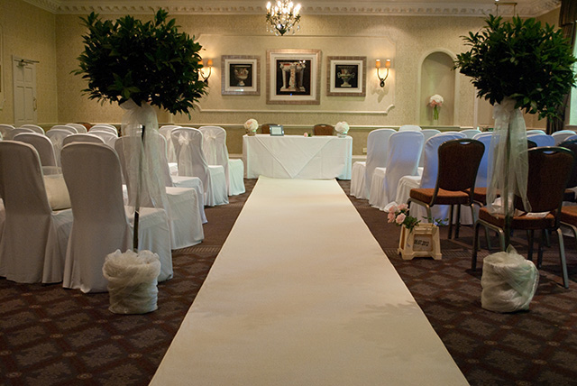 White Aisle Carpet Runner Hire White Carpet Hire