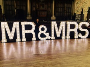 Light Up MR and MRS Letters