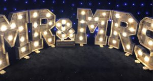 Light Up Rustic Mr & Mrs Letters
